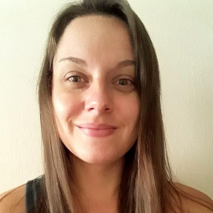 Charlotte, docente de francés en línea